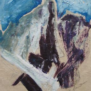 Bergzacken mit blauem Himmel